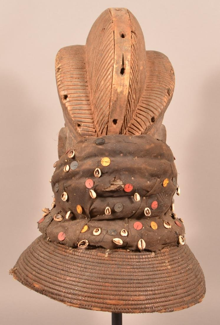 Antique/Vintage African Carved Wood Tribal Mask. - 4
