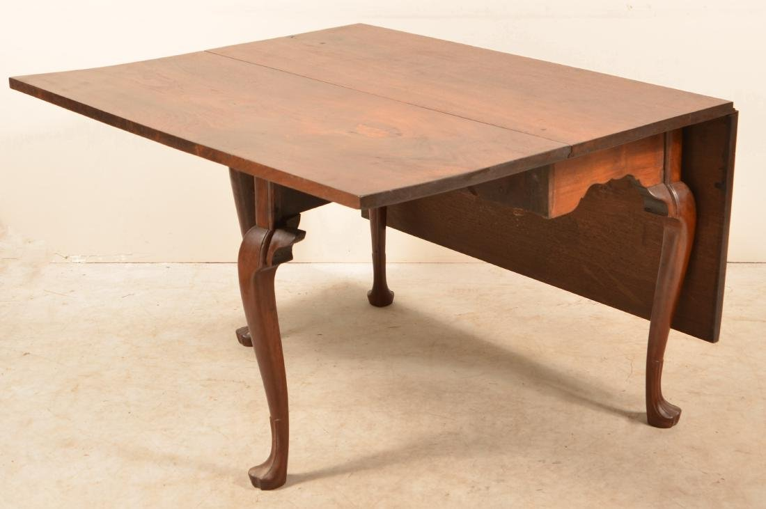 Pennsylvania Queen Anne Walnut Drop-leaf Table. - 2