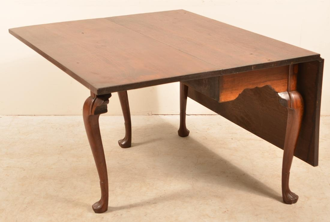 Pennsylvania Queen Anne Walnut Drop-leaf Table. - 4
