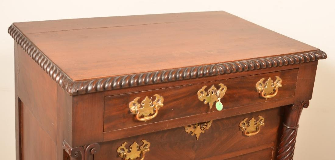 Diminutive Federal Style Mahogany Chest of Drawers. - 2