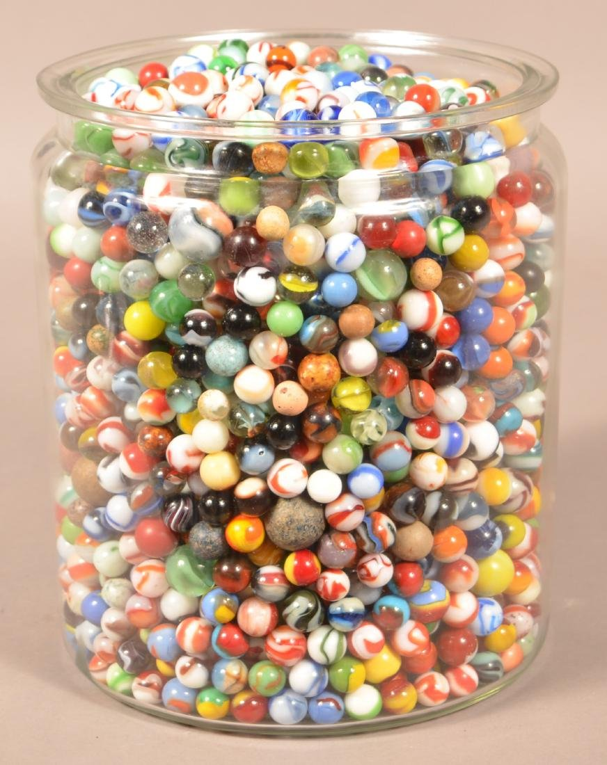 Large Jar Full of 1000+ Antique and Vintage Marbles. - 4
