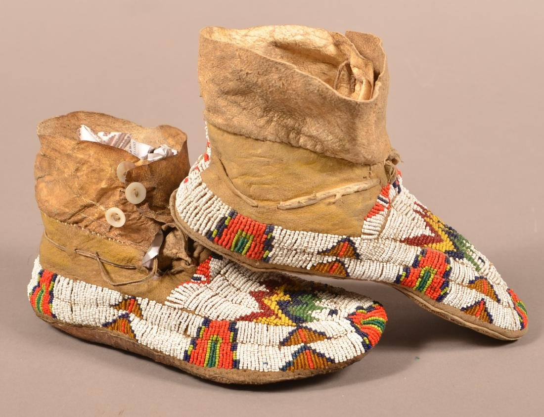 Vintage Pair of Plains Indian Beaded Moccasins - 2