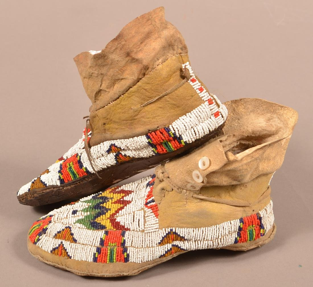 Vintage Pair of Plains Indian Beaded Moccasins - 3