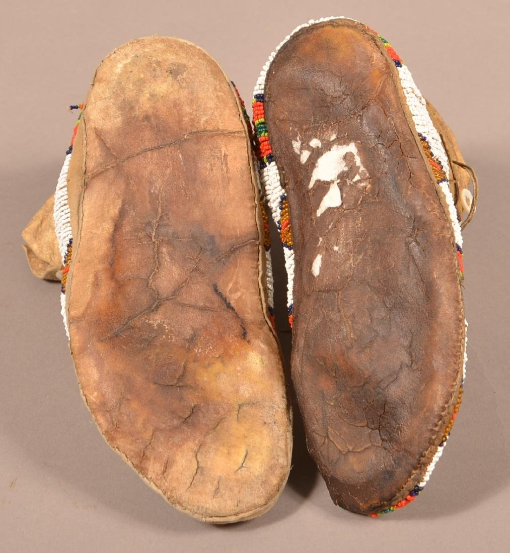 Vintage Pair of Plains Indian Beaded Moccasins - 4