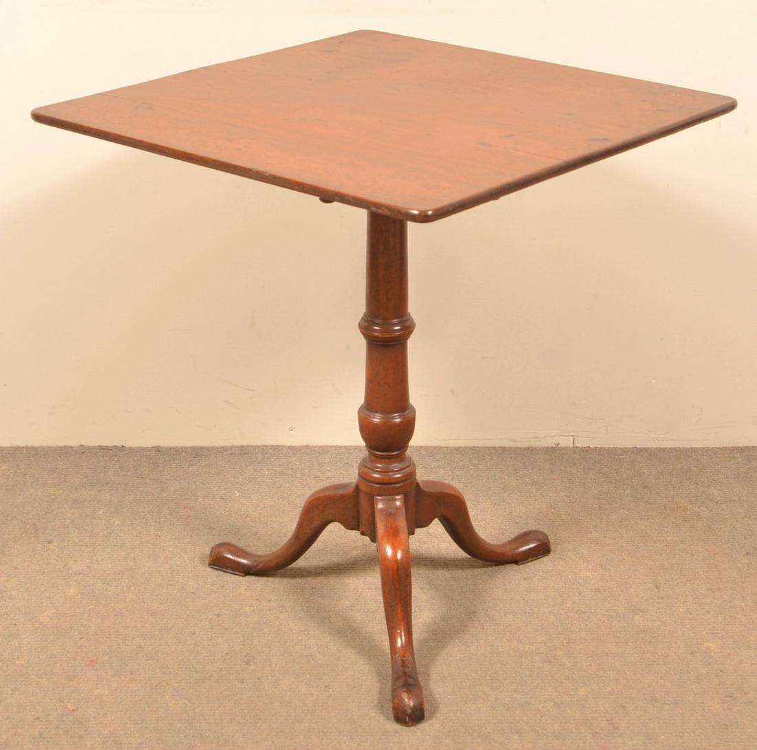 Queen Anne Mahogany Tilt Top Tea Table.
