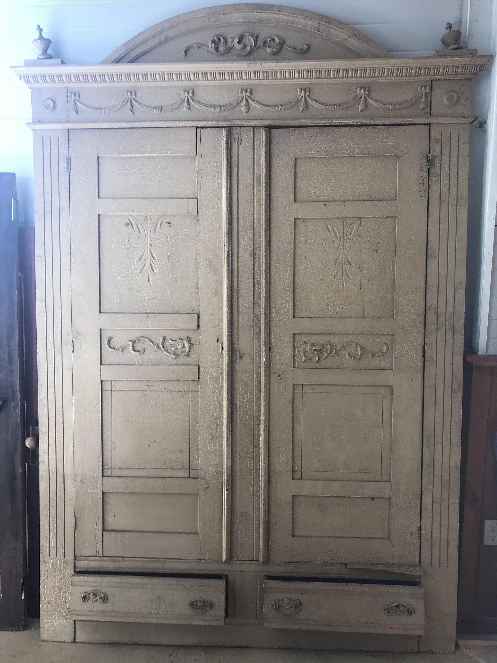 Good Victorian Oak Wardrobe Built-In