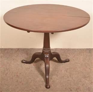 American Queen Anne Mahogany Tilt-Top Tea Table.