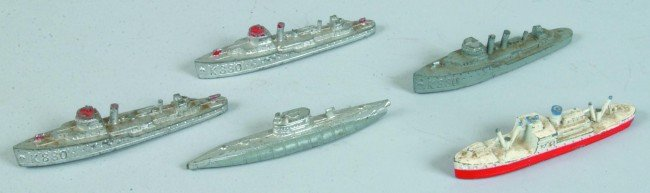 18: Lot of Five Tootsie Toy ships including three K880