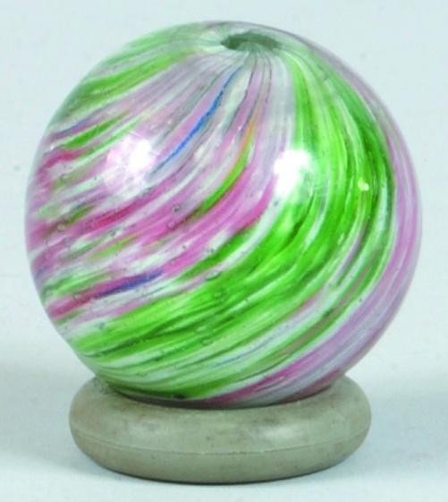 20: Onionskin Marble, Four Lobbed, red and green swirls
