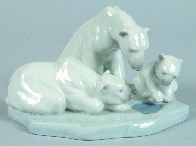 704: Lladro Polar Bear Family on Ice Figurine, (Bearly