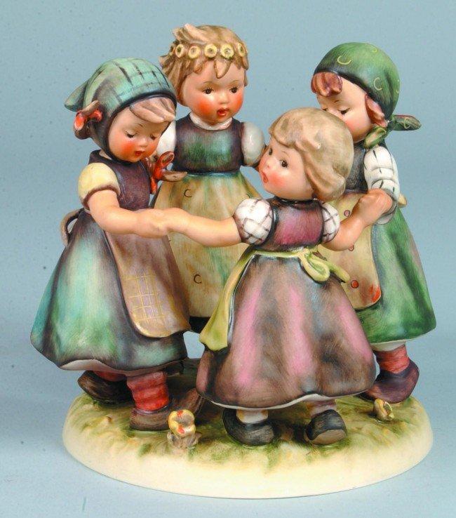 "20: Goebel ""Ring Around The Rosie"" Hummel figurine, unu"