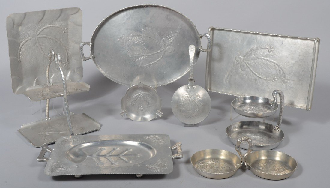 178: Nine Pieces of Pine motif Aluminum by Everlast inc