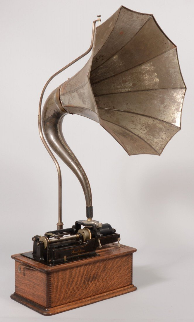 399: Thomas A. Edison Cylinder Record Player. Device mo