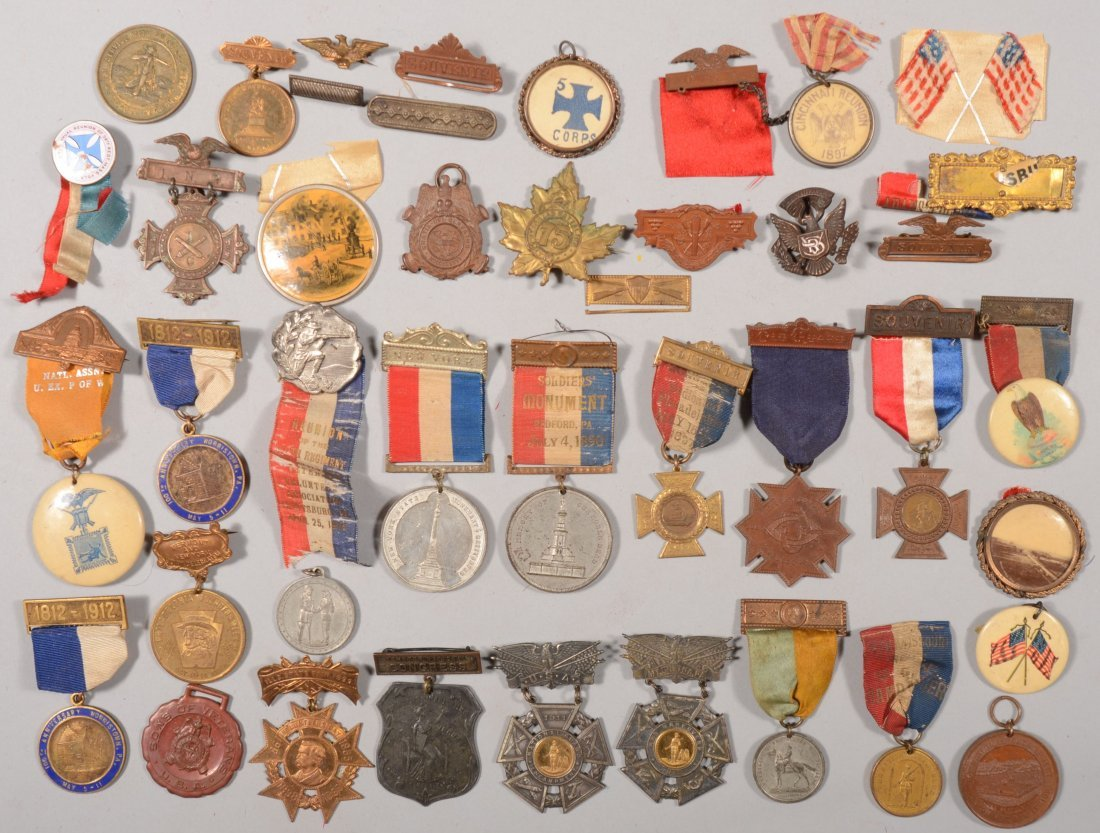 67: Lot of  medals, badges, and buttons: mostly militar