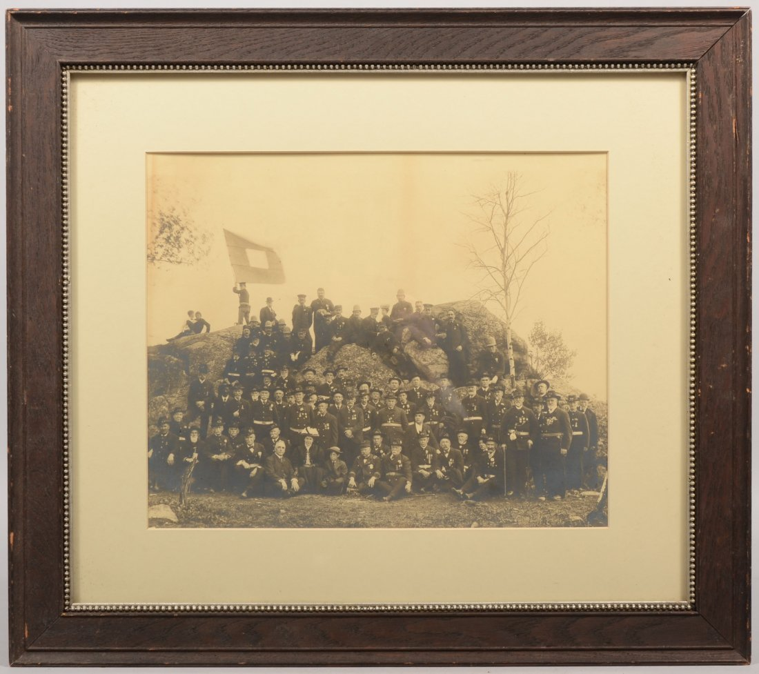 17: Photograph of Civil War Veterens at Devil's Den. La