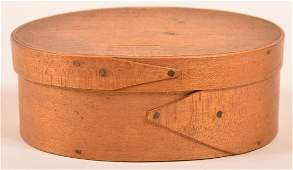 Shaker 19th Century Oval Bentwood Band Box.