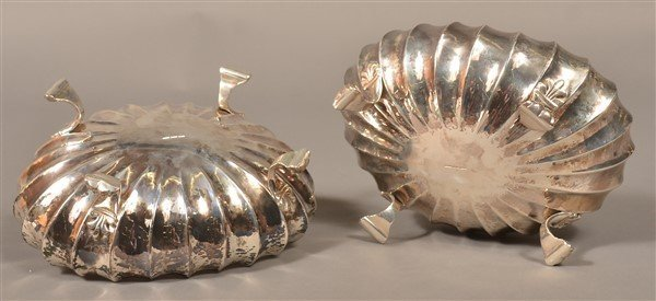 Pair of Buccellati, Italy Sterling Footed Bowls. - 3