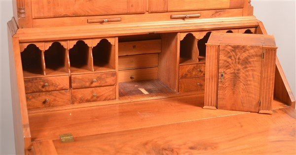 PA Chippendale Walnut Slat-lid Secretary Desk. - 4