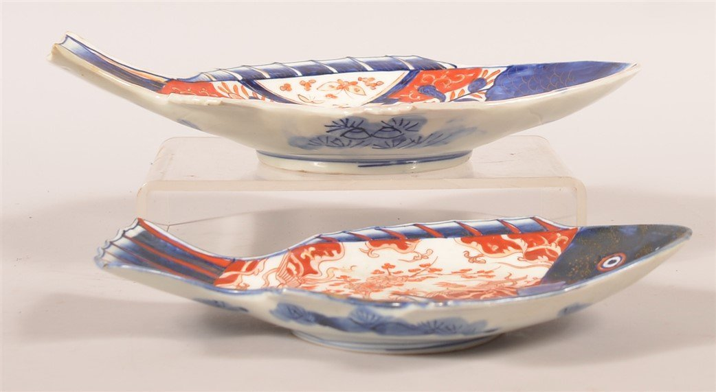 Two Imari Oriental porcelain Fish Form Trays. - 2