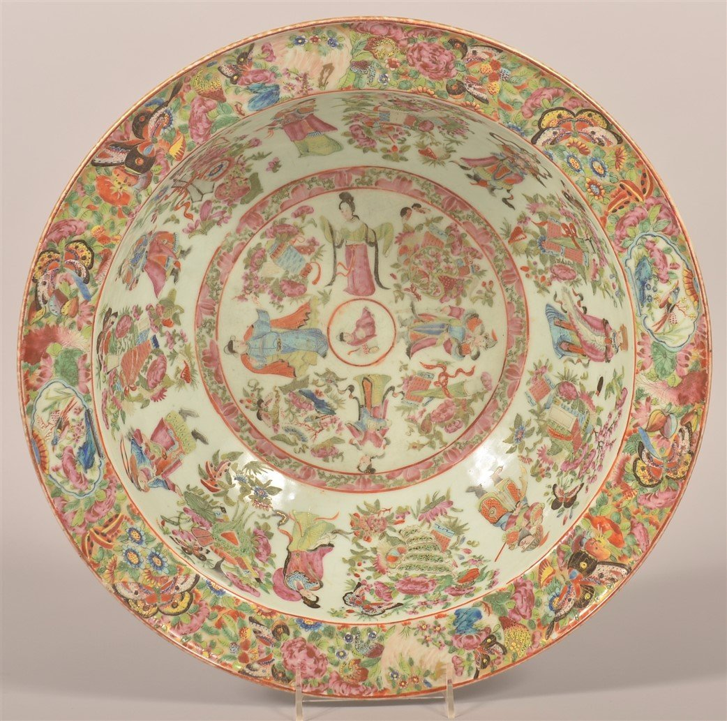 Chinese Export Porcelain Famille Rose Bowl.