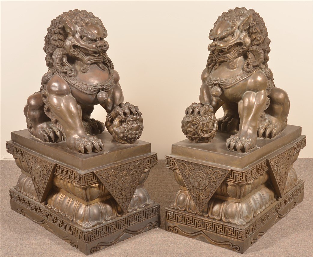 Pair of Vintage Hollow Cast Bronze Foo Dogs. - 2