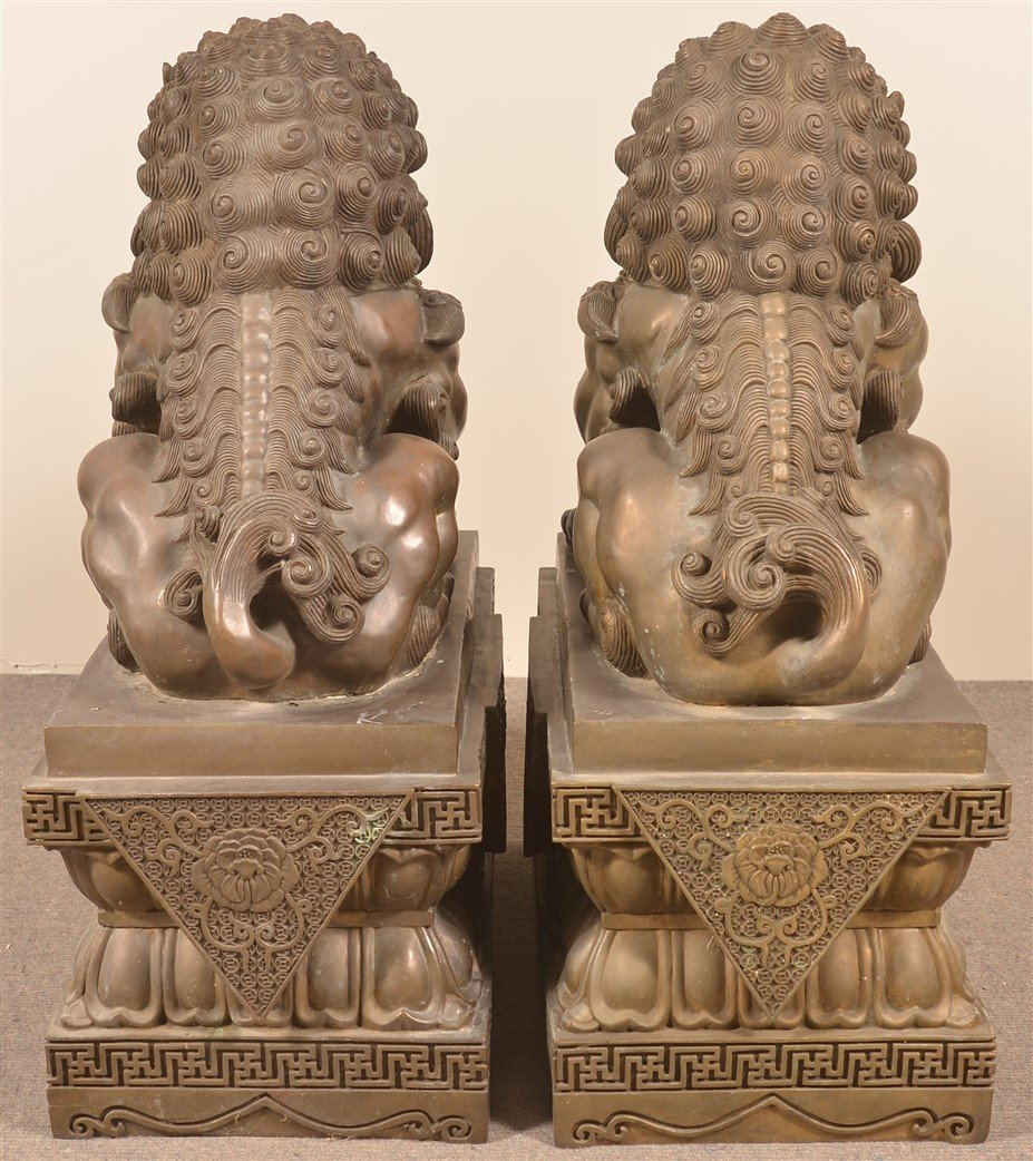 Pair of Vintage Hollow Cast Bronze Foo Dogs. - 4
