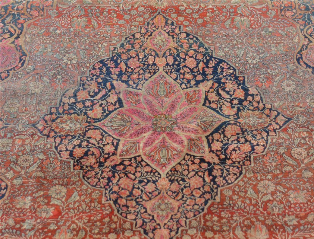 Antique Center Medallion Oriental Room Size Rug. - 2