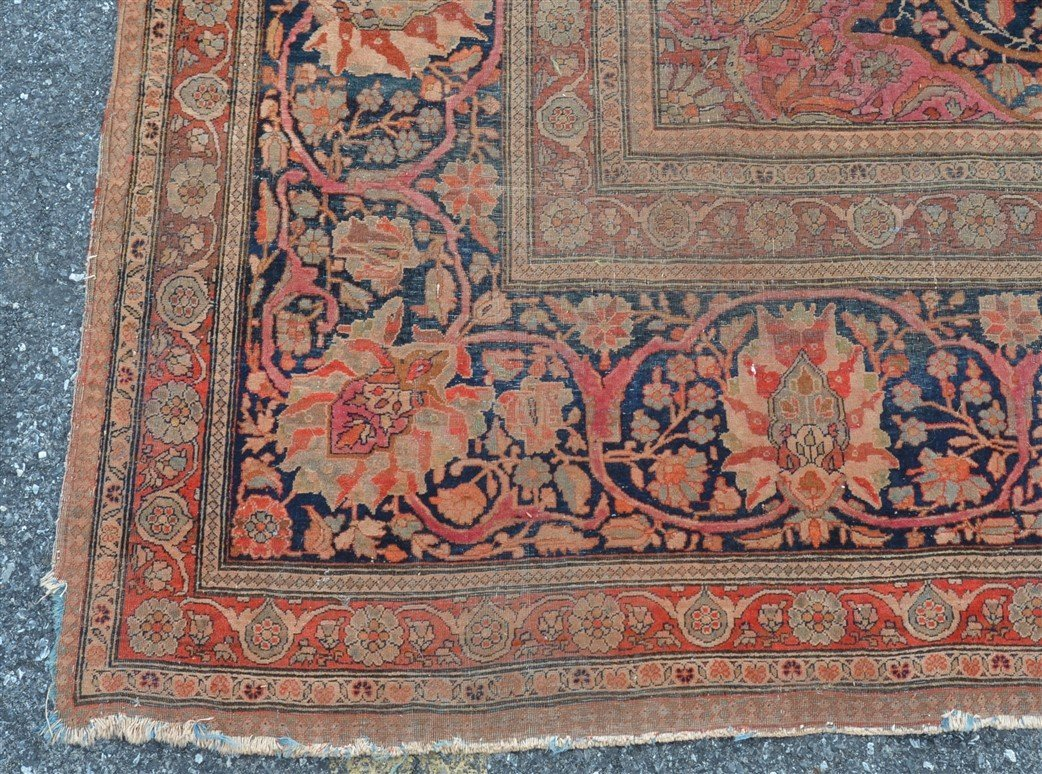 Antique Center Medallion Oriental Room Size Rug. - 3