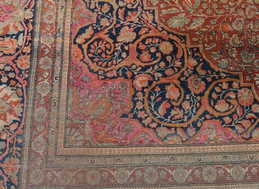 Antique Center Medallion Oriental Room Size Rug. - 4