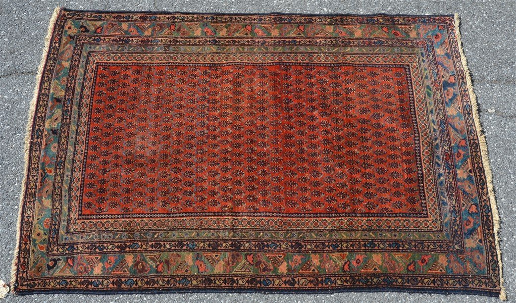 Antique Floral Pattern Oriental Area Rug.