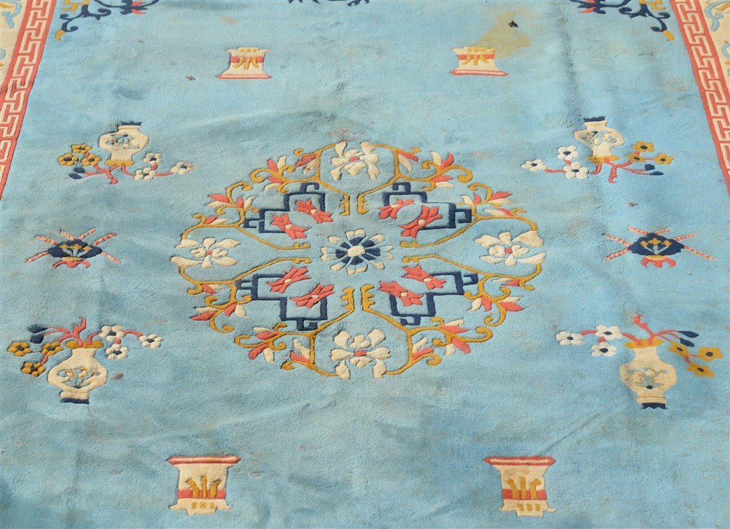 Vintage Chinese Pattern Oriental Room Size Rug. - 2