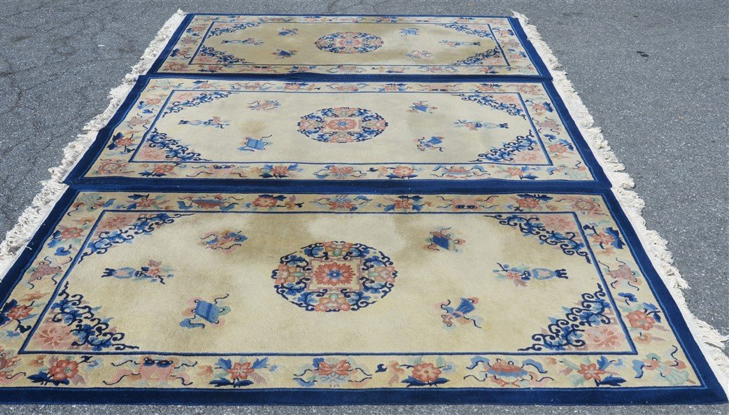 Three Medallion Chinese Pattern Oriental Area Rugs. - 3