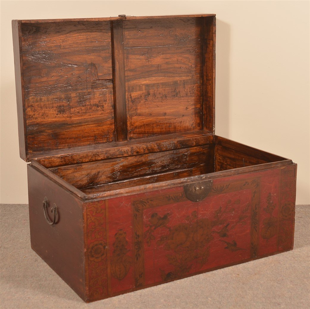 Vintage Chinese Red Lacquered Storage Chest. - 2