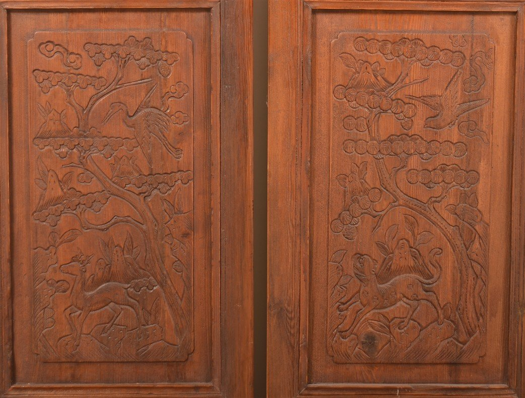 Pair of Vintage Chinese Cypress Wood Doors. - 2