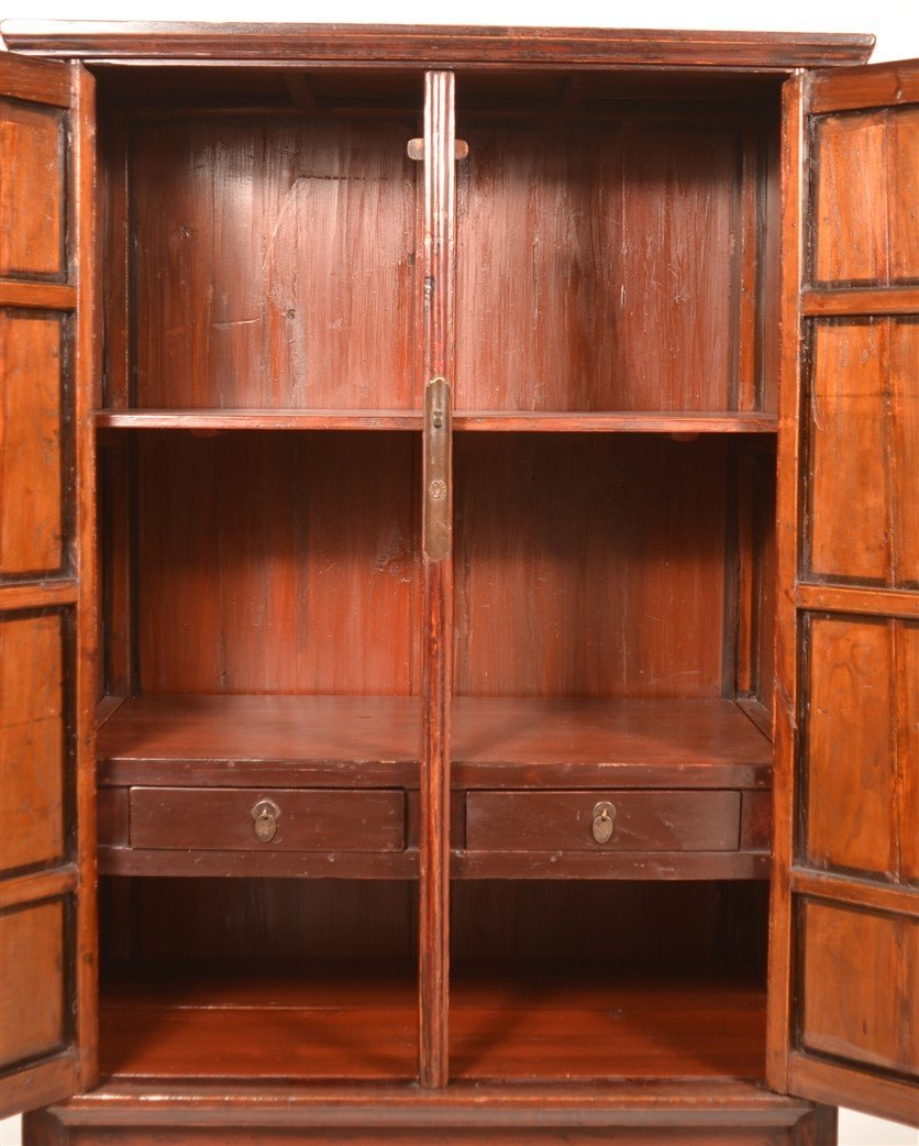 Chinese Lacquered and Carved Elmwood Cabinet. - 3