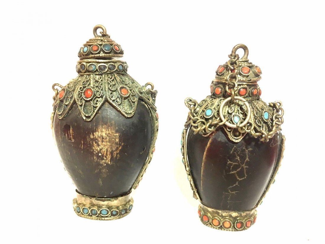 Lot Of Two Snuff Bottles - 2