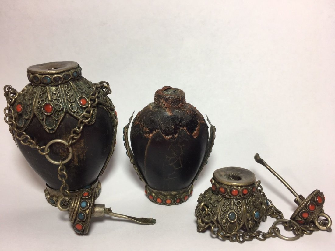 Lot Of Two Snuff Bottles - 5
