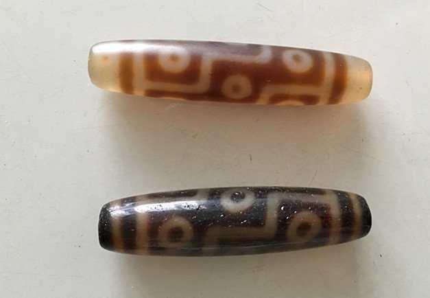 Two Old Tibetan celestial Beads ( Tian Zhu ) - 2