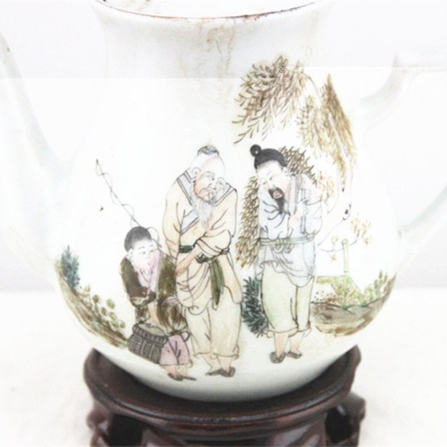 Fine Old Chinese Famille Rose Porcelain Teapot - 4