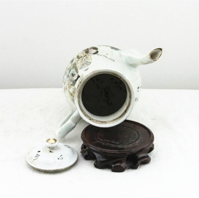Fine Old Chinese Famille Rose Porcelain Teapot - 6