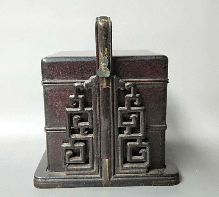 Fine Old Chinese Rosewood Food Container - 2