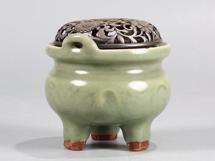 Fine Old Chinese Longquan Kiln Incense Burner - 2