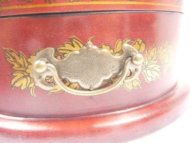 Fine Old Chinese Lacquered Hardwood Cosmetic Box - 4