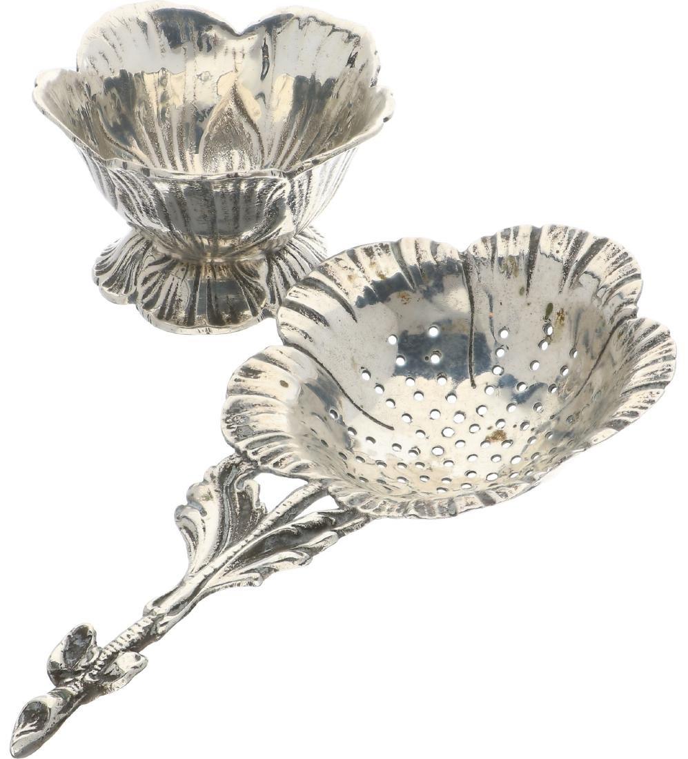 Tea strainer silver. - 2