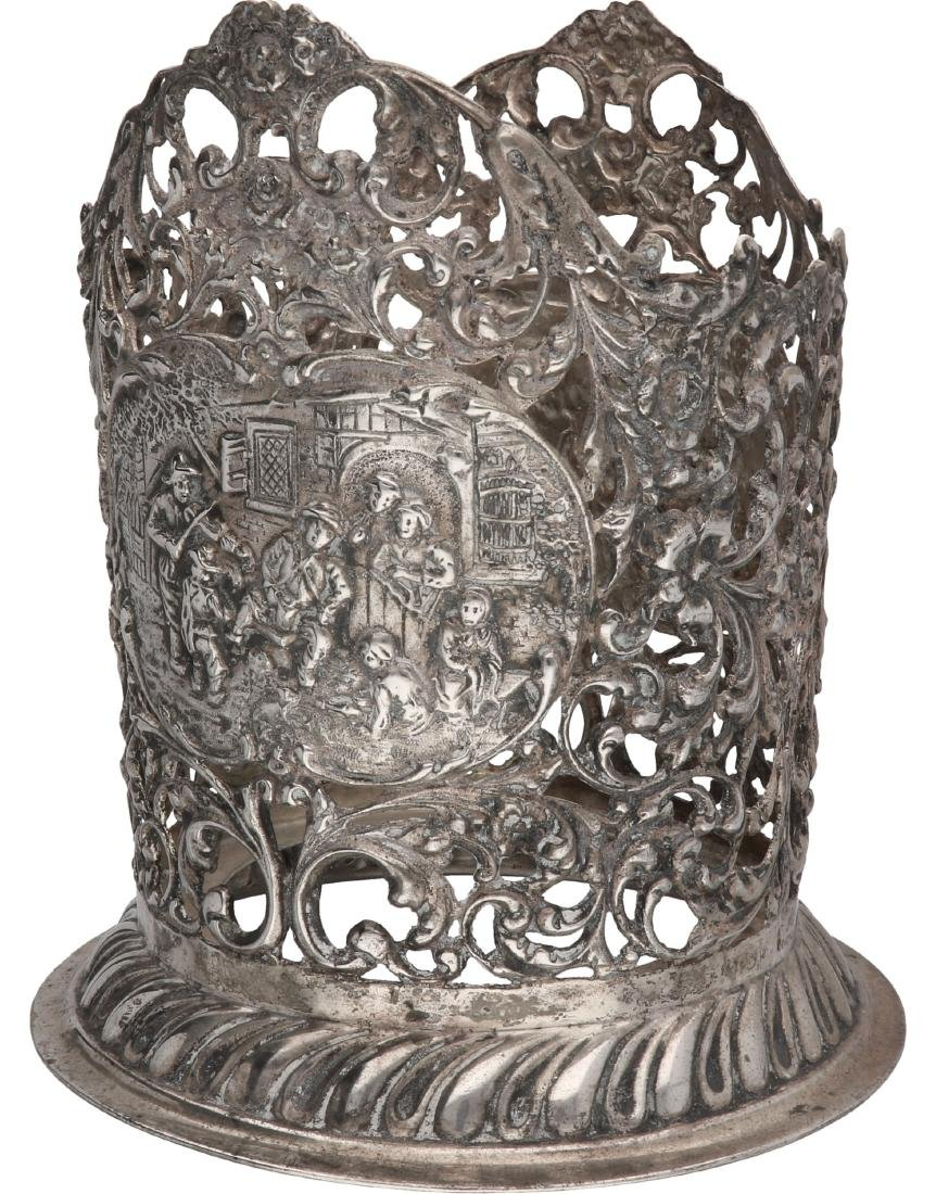 Wine bottle holder silver.