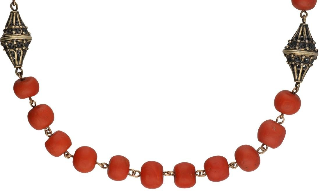 Antique necklace gold/silver, with blood coral - Below