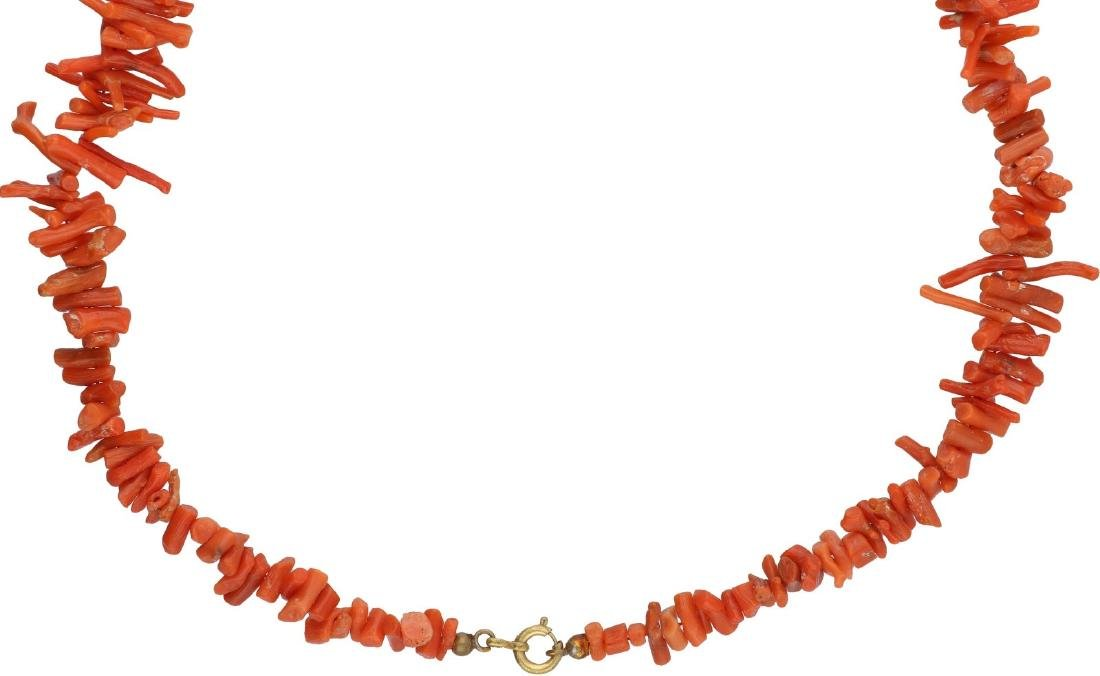 Antique necklace, with blood coral. - 2