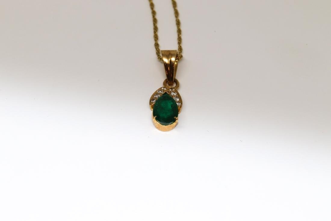 18k Emerald necklace with diamonds