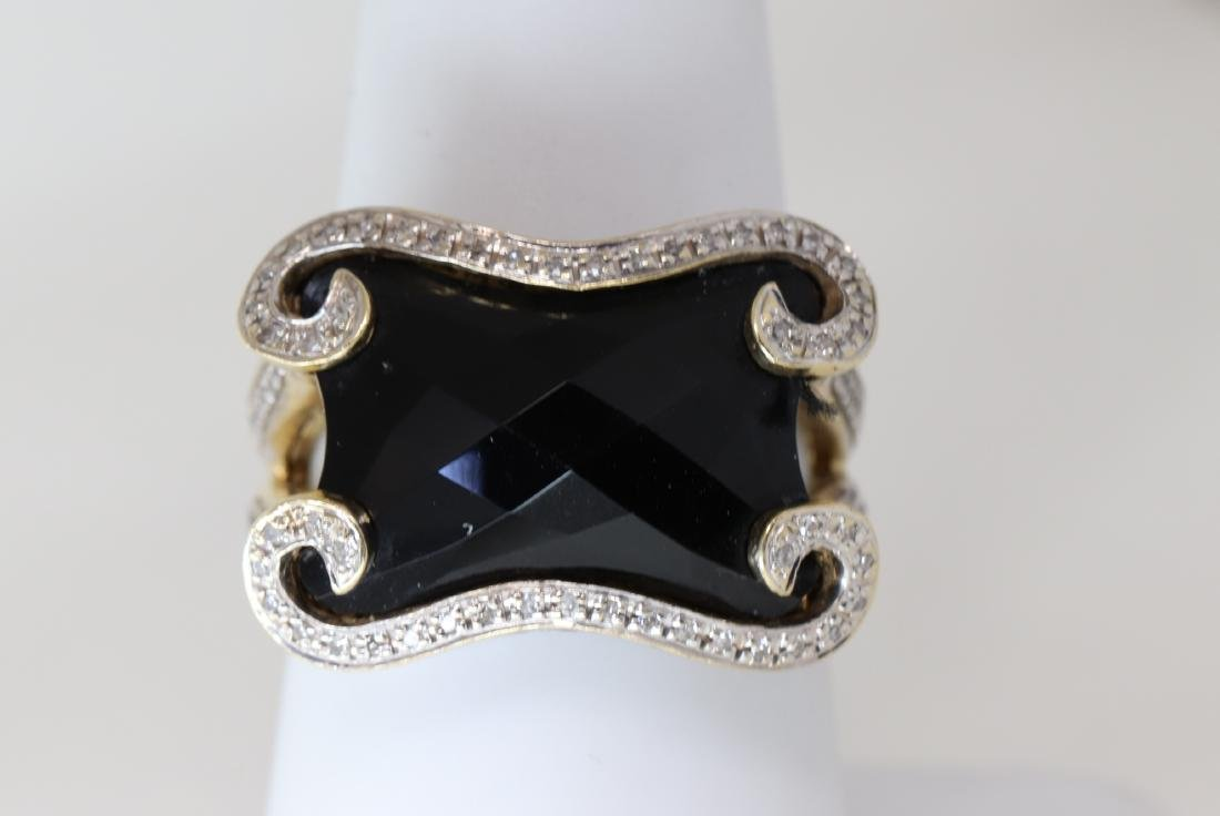 Onyx Ring 14k Yellow Gold with diamonds