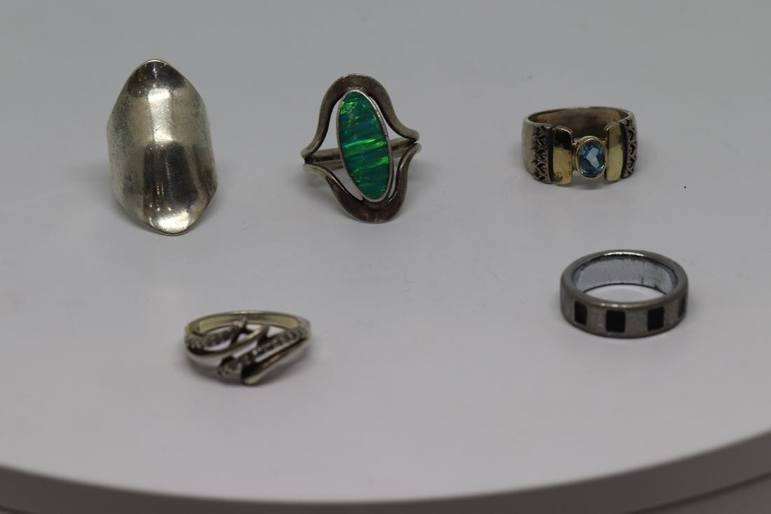 6 assorted design rings